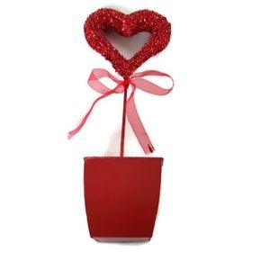 Valentines table accessory red heart